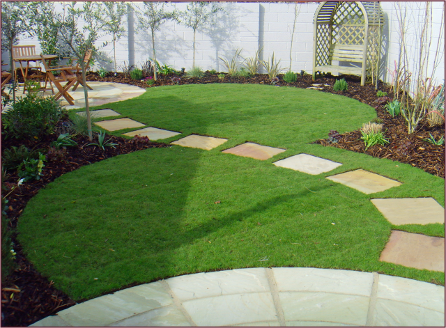 Circular landscape design not another gardening blog for Garden designs with stone circles